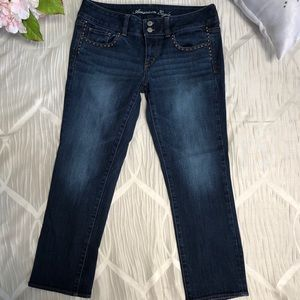 ✨American Eagle Crop Jeans with studs✨